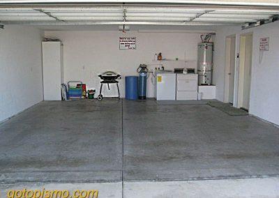152 Addie Garage R capt